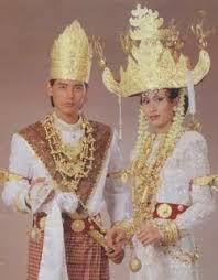 Nama-PAKAIAN-ADAT-Tradisional-LAMPUNG-Pria-dan-wanita