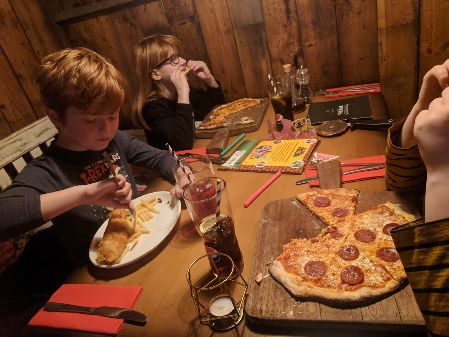The Woodmans Arms Review | Sunday Lunch near Gibside  - kids meals and pizza