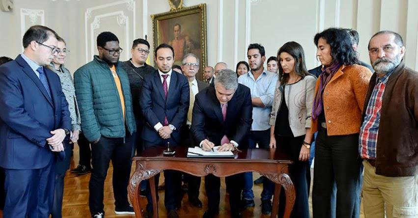 Gobierno de Colombia aprueba recursos para universidades públicas, tras dos meses de protestas