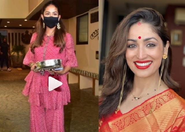 Karawa Chauth 2021 : Yami Gautam ने रखा पहला करवा चौथ का व्रत, तो Mira Kapoor ने हाथों में छलनी लिए यूं आई नजर