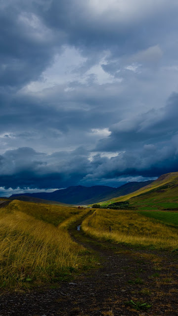 Free field wallpaper, mountains, hills, clouds, landscapes