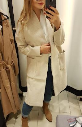Modny płaszcz na jesień 2020. Płaszcz z Mohito