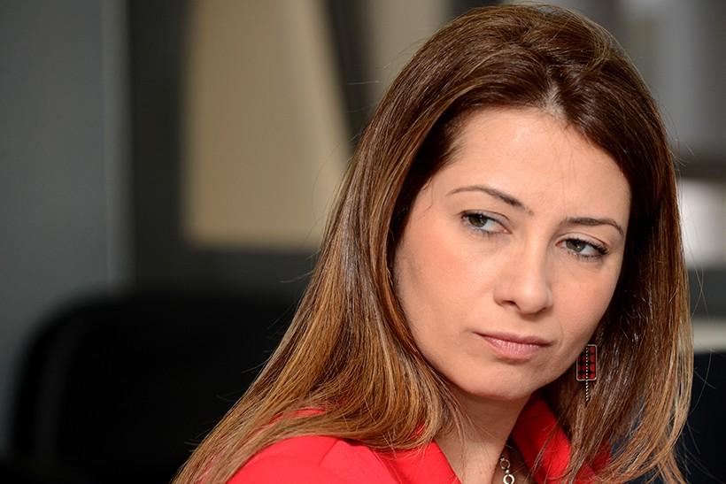 Sindicato dos Professores ver como intimidador ofício de deputada homofóbica do DF