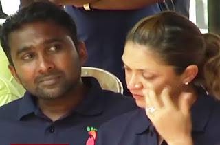 Mahela started to cry -  Highly emotional.
