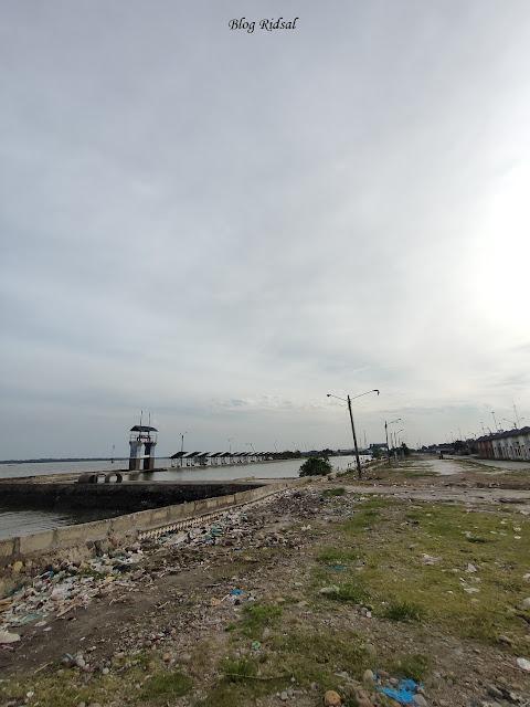 Pantai Olo dan Tempat Pelelangan Ikan di Belawan - Pantai Olo 01