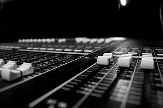 Live Sound Engineering adalah