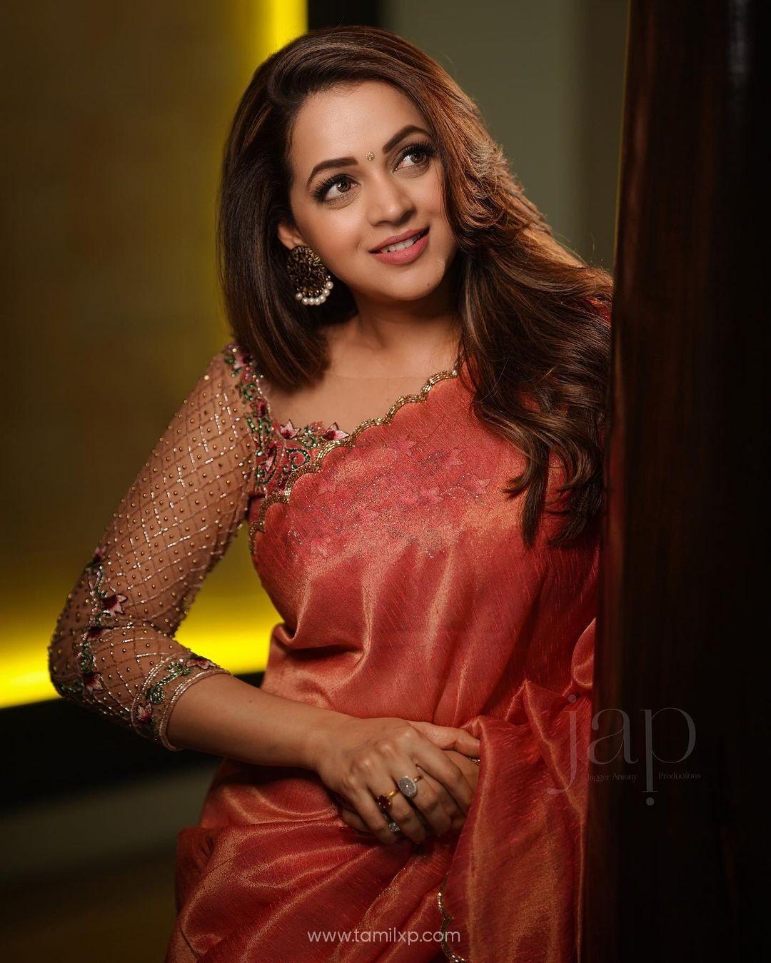 Actress Bhavana Menon Saree stills