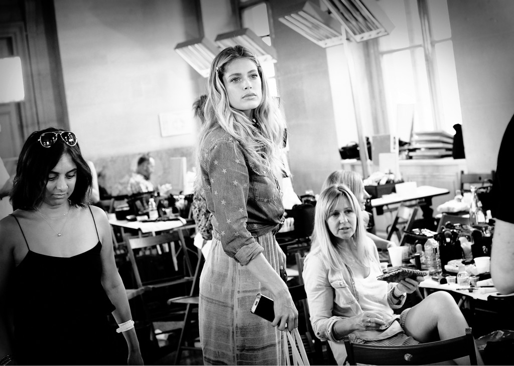 Atelier Backstage: Sasha, Doutzen & More Backstage At Atelier Versace A/W