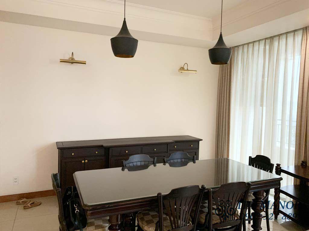 bàn phòng khách căn hộ the manor 167m2 tầng 25 cho thuê