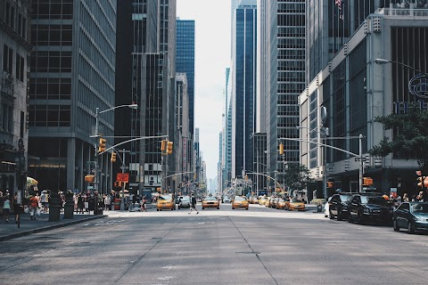POESÍA Hay ciudades | Eduardo Hennings