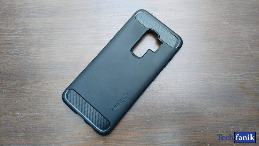 Spigen Rugged Armor dla Samsunga Galaxy S9+ tył