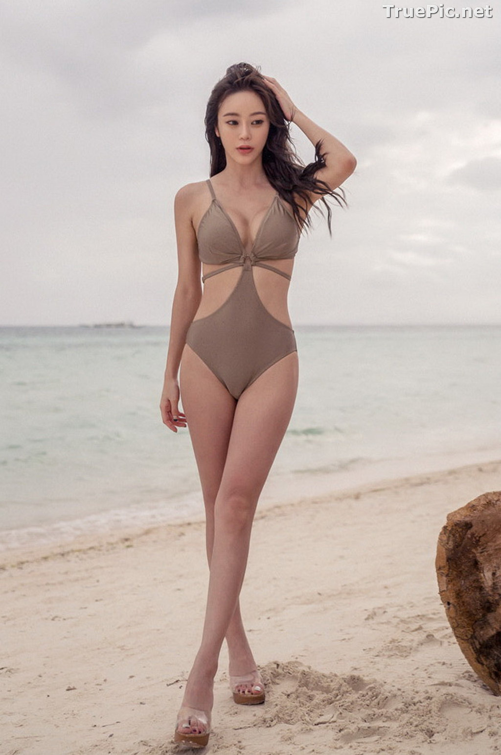 Image Korean Fashion Model - Hyun Kyung - Warm Brown Monokini - TruePic.net - Picture-1
