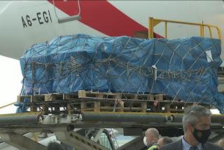 Avião com 2 milhões de doses da Índia chega a São Paulo