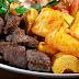 Receita de carne de sol com macaxeira 'típica do Nordeste'