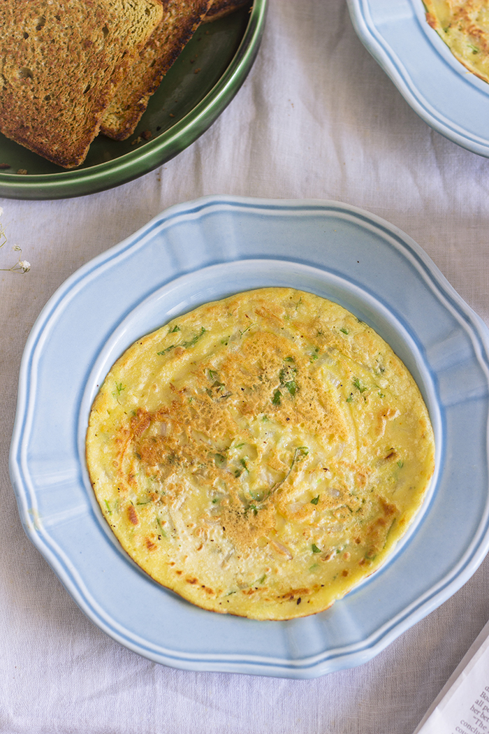 eggless omelette made with chickpea flour