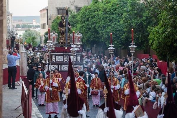 Salud tratará 13 de enero con hermandades y cofradías suspensión procesiones