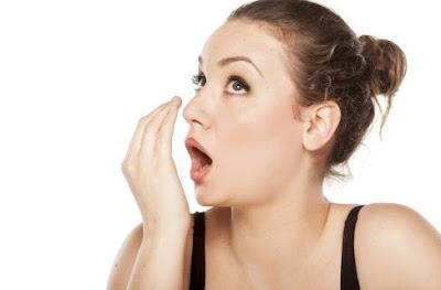 5 Tips Ampuh Cegah Bau Mulut Selama Berpuasa