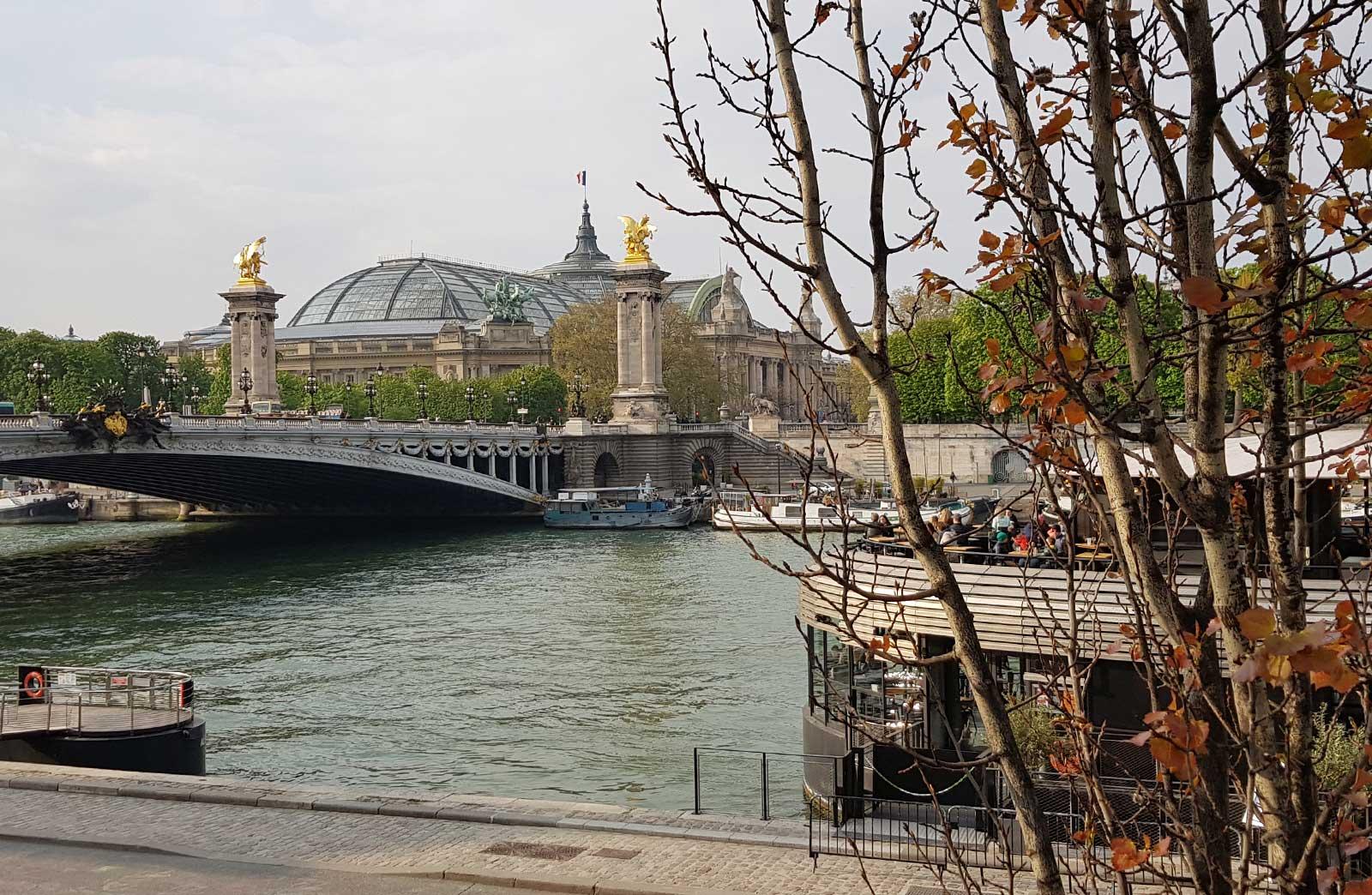 Petit bonheur promenade paris