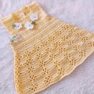 Vestido Jardinera de Bebé a Crochet