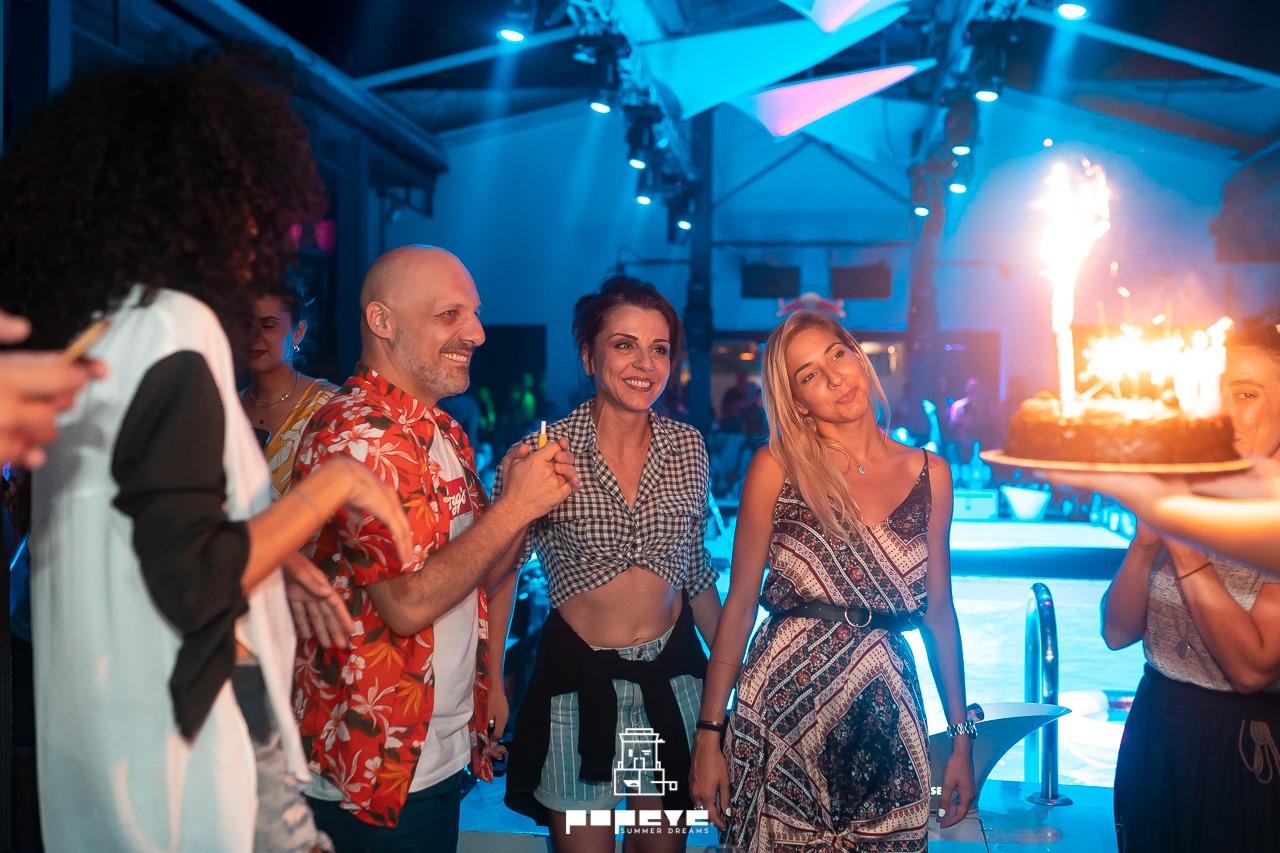Μεγάλη επιτυχία για το Νίκο Μουτσινά και τη Μαρία Σολωμού στη Λάρισα και στις παραστάσεις και στη νυχτερινή τους έξοδο! (ΦΩΤΟ)