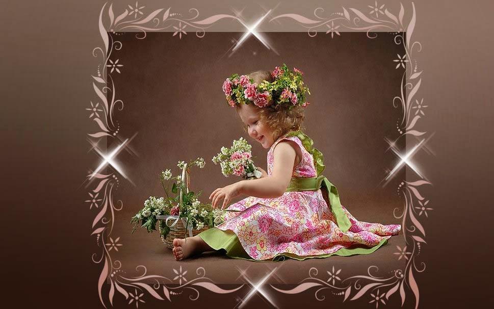 sevimli-baby-girl-ile-çiçekler