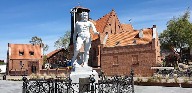 Hel pomnik Neptuna