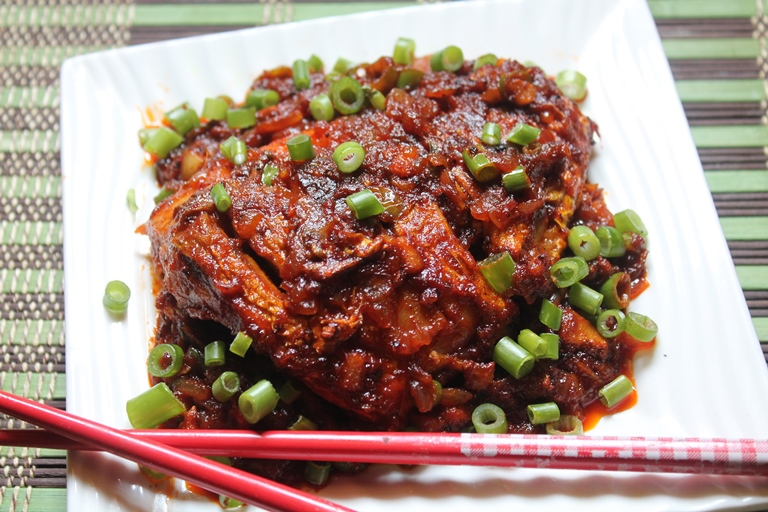 Chinese pan fried fish recipe yummy tummy for What goes good with fried fish