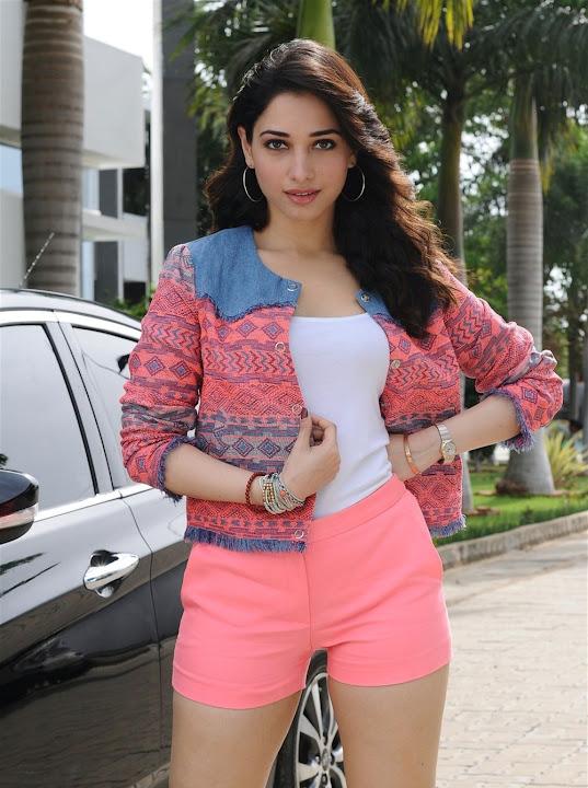 Tamanna Bhatia in Kaththi Sandai movie