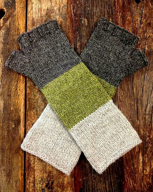 Lenticular Mitts - Free Knitting Pattern