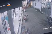 Terekam CCTV, Motor Dipakir Di Mushola  Digondol Maling