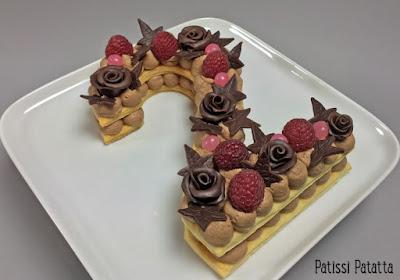 number cake, recette de number cake, tutoriel number cake, vidéo number cake, tuto vidéo number cake, gâteau tendance 2018, cake design, design cake, fleurs chocolat plastique, patissi-patatta