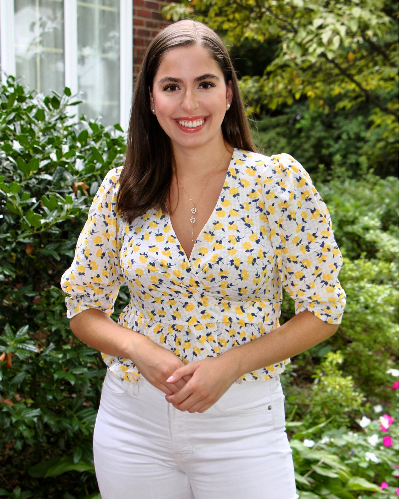 white jeans, yellow floral top, flowers, chicwish