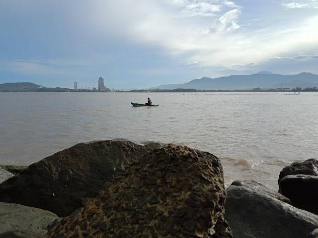 Pantai Teluk Likas