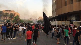 Pemerintah Syi'ah Irak Blokir Jaringan Media Sosial Saat Protes Masuki Hari ke-2