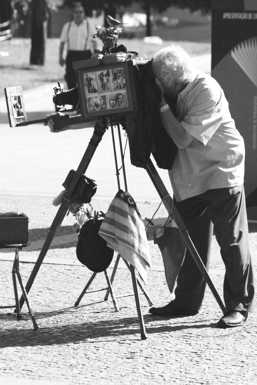 ambiente de leitura carlos romero cronica conto poesia narrativa pauta cultural literatura paraibana saulo mendonca marques fotografia lambe lambe fotografo de rua instantaneo praca aristides lobo saudosismo urbano joao pessoa