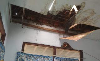 Atap Mushalla di Kantor Camat Donggo Bocor, Pengurus Minta Perhatian Pemerintah