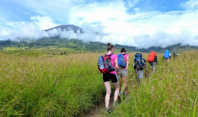 Hiking Mount Rinjani 4 days 3 nights start from Sembalun