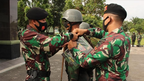 Perwira dan Tamtama Remaja Baru Yonkav 6/NK Jalani Pembukaan Orientasi Satuan