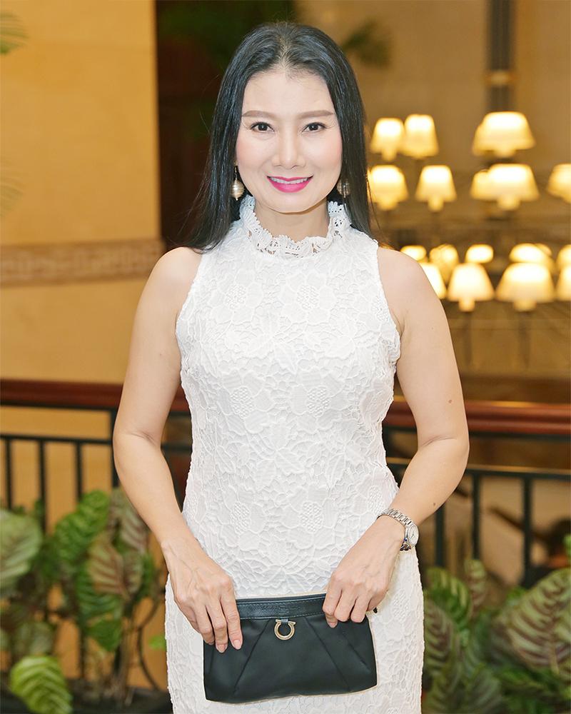 Model seksi manis dari Vietnam Phan Nhu Thao