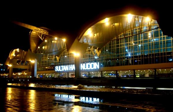 Sewa Mobil Elf & Bus Antar Jemput Bandara Sultan Hasanuddin
