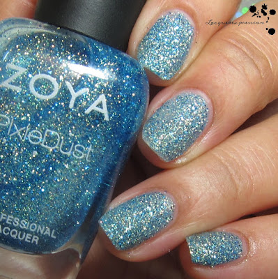 nail polish swatch of Bay by zoya from the seashells collection