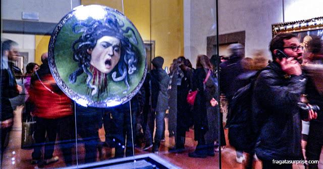 """""""Medusa"""", de Caravaggio, na Galleria degli Uffizi, em Florença"""