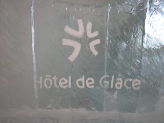 Hôtel de Glace sculpté dans la glace.