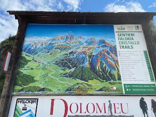 A sign describing the Dolomieu trail above Cortina d'Ampezzo.