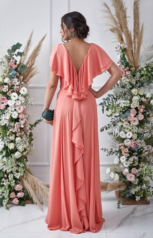 vestido longo coral fluido para madrinha de casamento