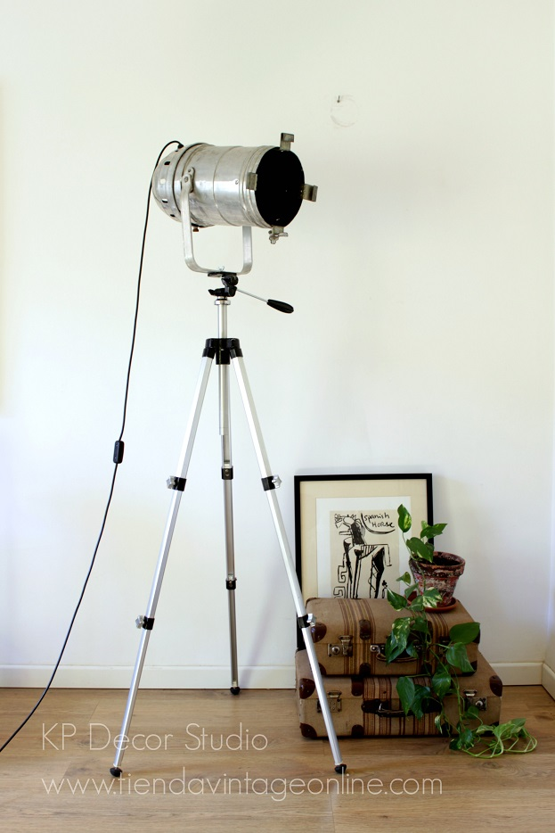 Comprar lámpara de pie foco aluminio antiguo