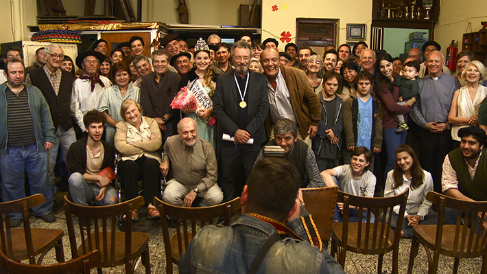 Filme argentino O Cidadão Ilustre estreia no cinema e traz um escritor que retorna à sua cidade natal