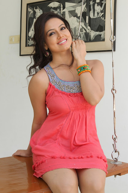 Sana-Khan-Gorgeous-Look