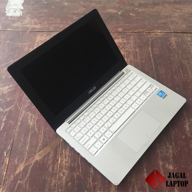Jual Netbook Second