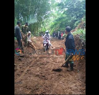Tertimpa Longsor Akses Jalan di Dusun Simpang Tertutup